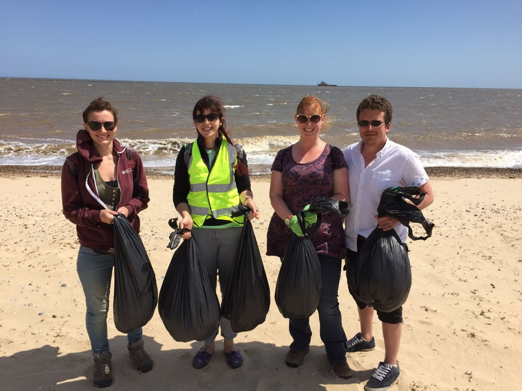 Isabelle Sikora and friends collecting ghost gear in Great Yarmouth