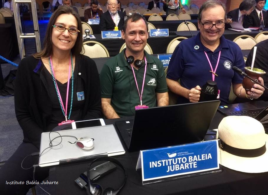 The Brazilian Humpback Whale Institute (Instituto Baleia Jubarte) delegation. Left to right: Associate Researcher Dr. Mia Morete, President Eduardo Camargo and Director of Institutional Development José Truda Palazzo.